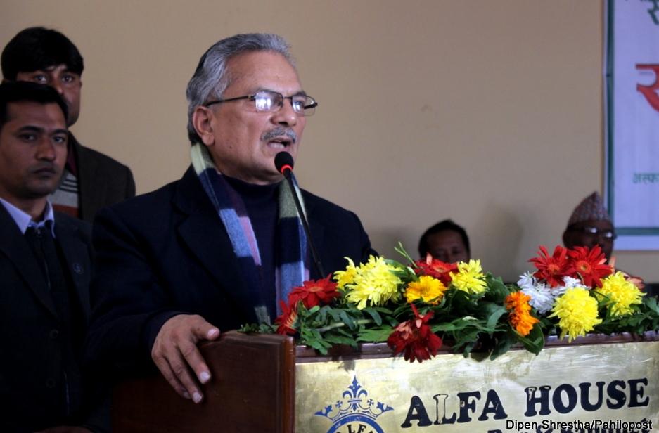 डाक्टर बाबुराम भट्टराईको प्रश्न : किन बनाउँछ चीनले नेपालमा रेल?